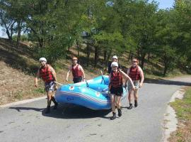Carrying raft for another ride in Bratislava