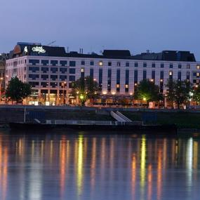 Luxurious hotel situated on the river Danube